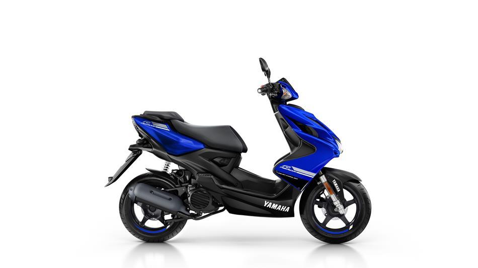 2018-Yamaha-Aerox-4-EU-Yamaha-Blue-Studio-002