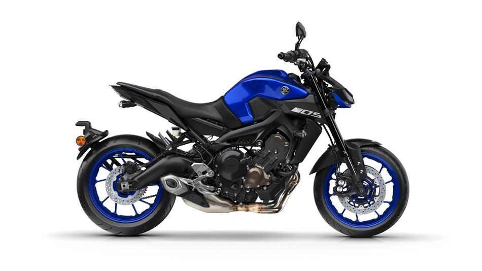 2018-Yamaha-MT-09-EU-Yamaha-Blue-Studio-002