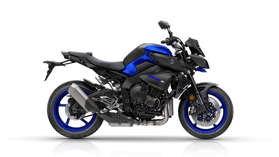 2018-Yamaha-MT-10-EU-Yamaha-Blue-Studio-002