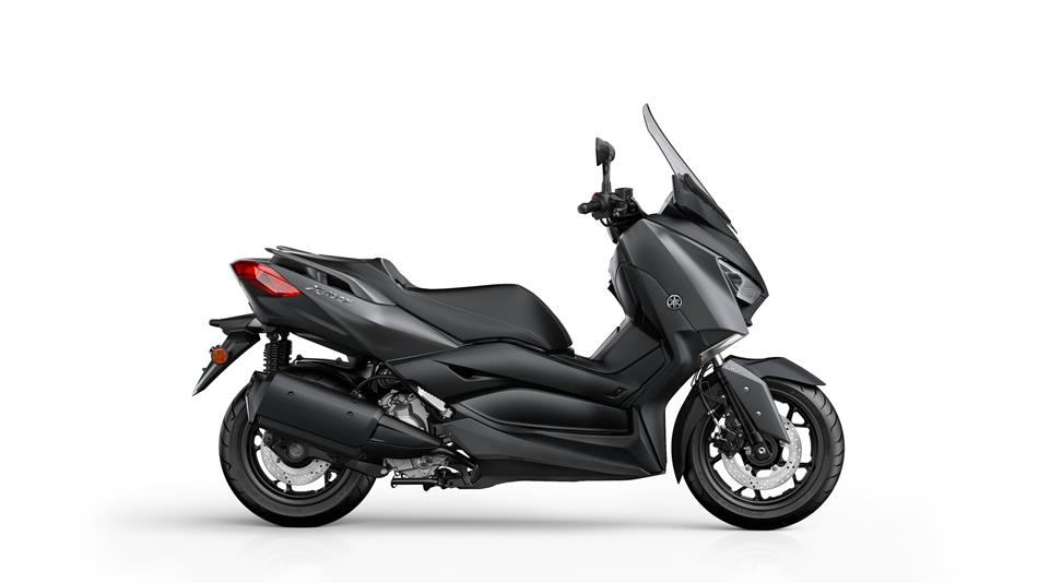 2018-Yamaha-X-MAX-300A-EU-Sonic-Grey-Studio-002