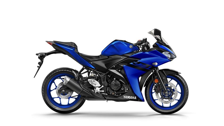 2018-Yamaha-YZF-R3-EU-Yamaha-Blue-Studio-002