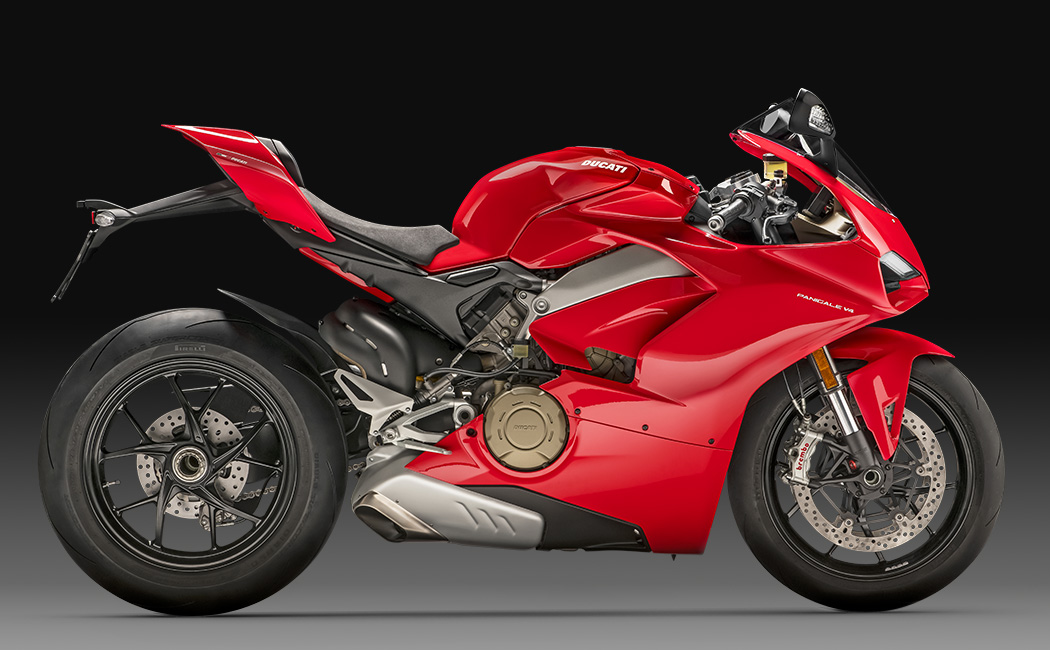 Panigale-V4-Red-MY18-02-Model-Preview-1050×650